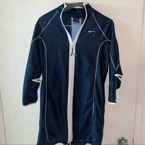 Nike Sphere Dry, 100% Polyester S